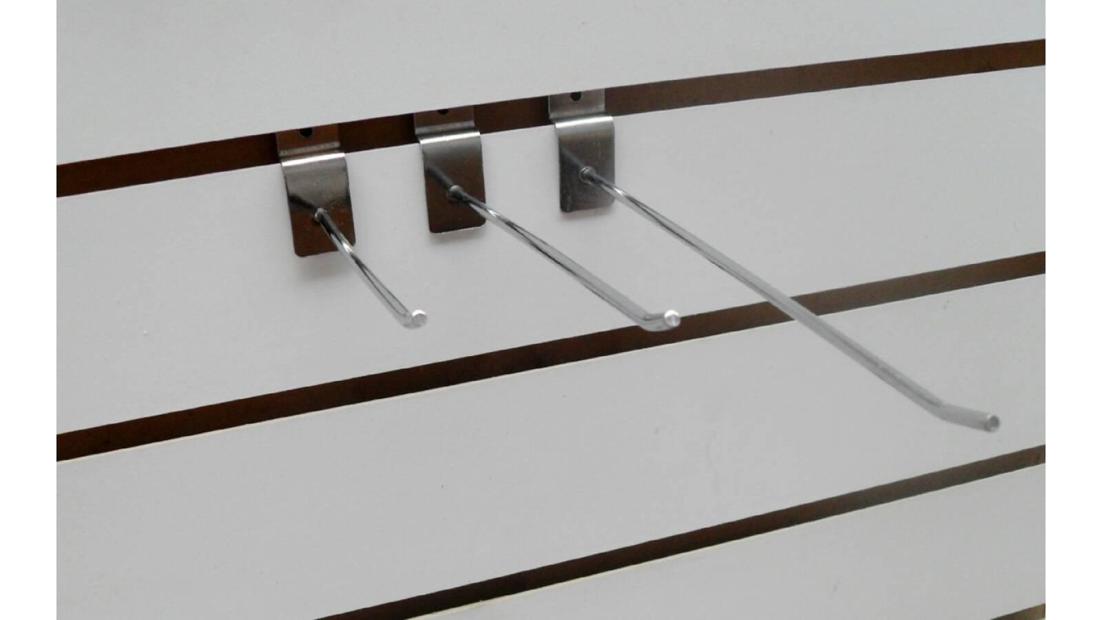 Gancho reforzado para placa ranurada de 20 cm