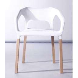 Silla Geminis con posabrazo y patas de madera, diseño