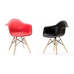Juego de dos sillas Eames con posabrazo living comedor cocina