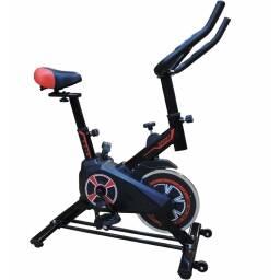 Bicicleta de spinning - negro y rojo