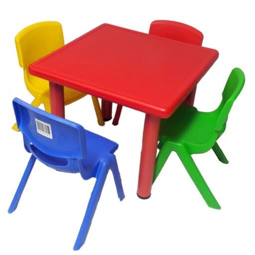 Juego de mesa +  4 sillas infantiles